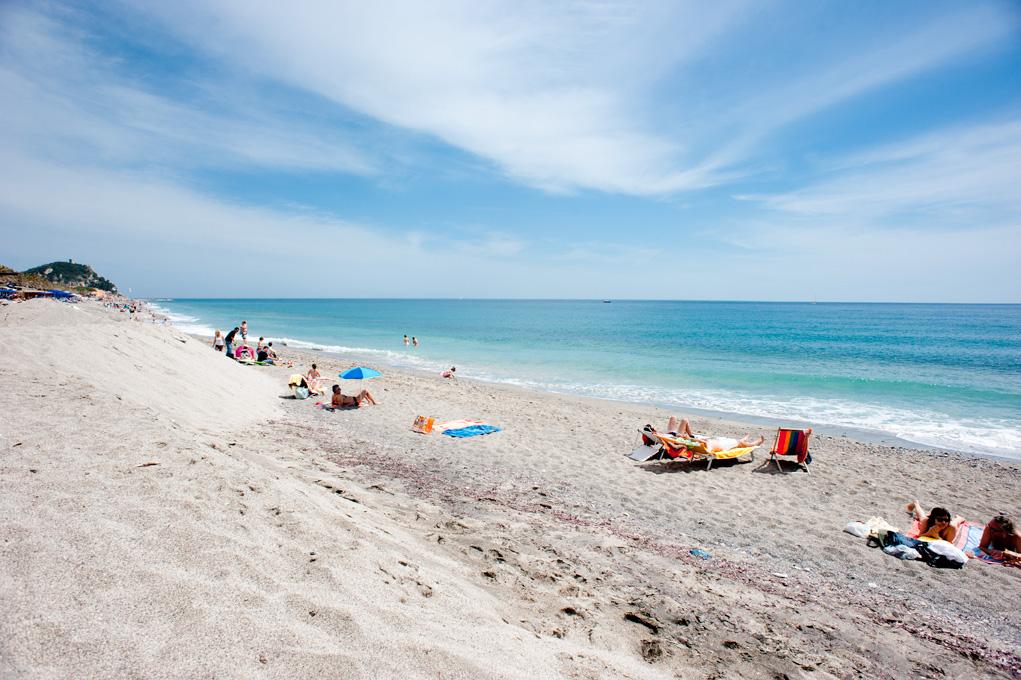 Matrimonio Spiaggia Varigotti : Spiaggia varigotti san francesco casa per ferie