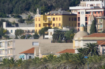 Vista sulla casa per ferie dal mare